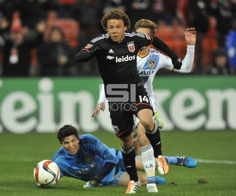 Washington D.C. - Saturday, March 28, 2015: D.C. United defeated the Los Angeles Galaxy 1-0 during a Major League Soccer (MLS) game at RFK Stadium. (Jose L. Argueta/isiphotos.com)