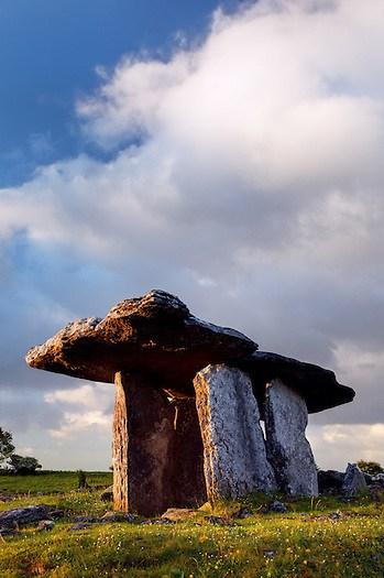 Poulnabrone dolmen, The Burren, County Clare, Republic of Ireland