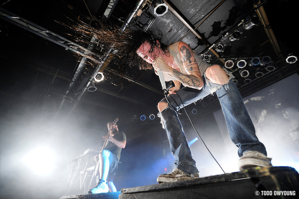 Metalcore band Underoath performing at Pop's in Sauget, IL on November 2, 2008. (Todd Owyoung/© Todd Owyoung)