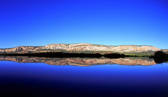 The McLarty Range in Talbot Bay (Richard Costin/© Richard Costin | Kimberley Media 2010)