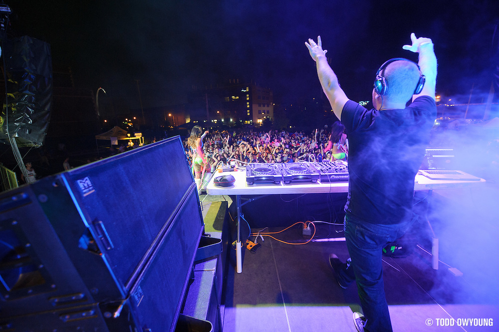 Progressive house producer Morgan Page performing at the first annual Pulse Festival in St. Louis on June 9, 2012. (Todd Owyoung)
