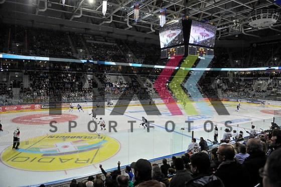 Uebersicht beim Spiel beim Spiel in der DEL, Adler Mannheim - Grizzly Adams Wolfsburg. Foto © Ice-Hockey-Picture-24 *** Foto ist honorarpflichtig! *** Auf Anfrage in hoeherer Qualitaet/Aufloesung. Belegexemplar erbeten. Veroeffentlichung ausschliesslich fuer journalistisch-publizistische Zwecke. For editorial use only. (Michael Ruffler/Ice-Hockey-Picture-24)