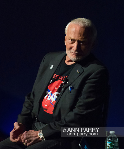 Garden City, New York, USA. October 23, 2015. Former NASA astronaut Edwin BUZZ ALDRIN is in conversation about his experiences in space and his new Children's Middle Grade book Welcome to Mars: Making a Home on the Red Planet.(Ann Parry/Ann Parry, ann-parry.com)