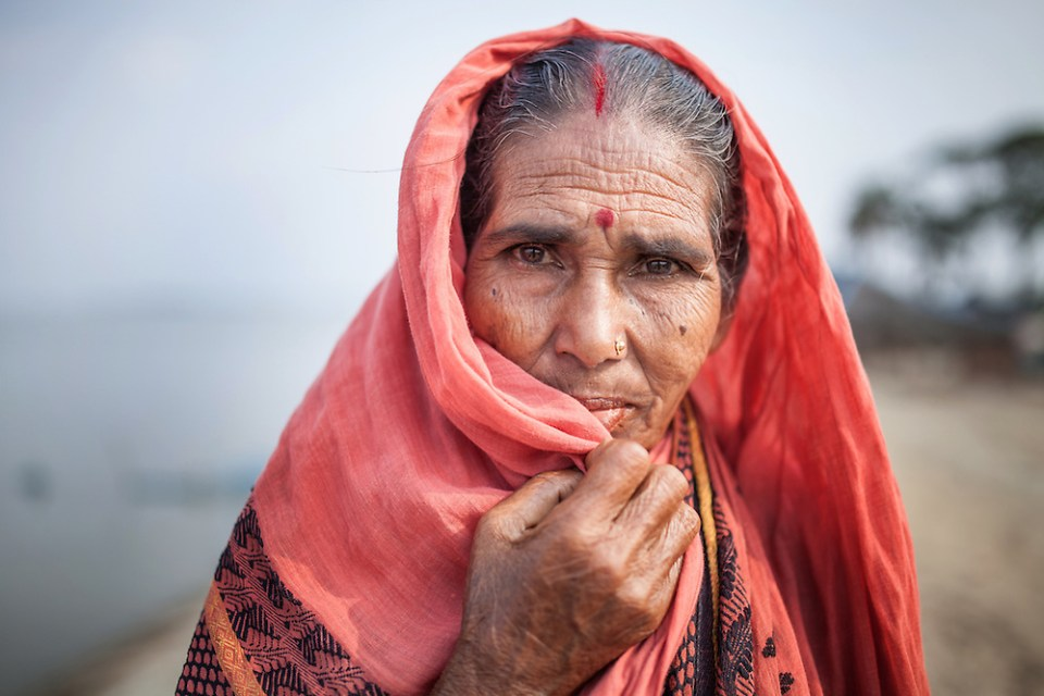 A Hindu woman pictured in Satkhira, Bangladesh. (Paul Ratje)