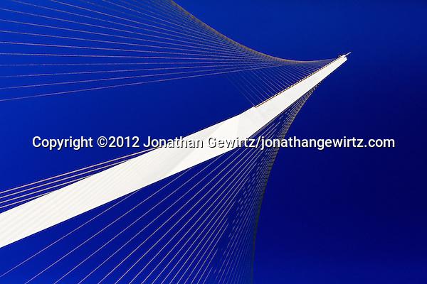 Detail of the Jerusalem Chords Bridge designed by Santiago Calatrava. (© 2012 Jonathan Gewirtz / jonathan@gewirtz.net)