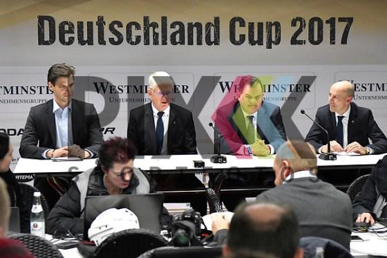 Presskonferenz zum Abschluss des D-Cup 2017 v.l. Leonardo Conti, Franz Reindl, Juergen Arnold und Marc Hindelang beim Deutschland Cup 2017 in Augsburg. Foto © PIX-Sportfotos *** Foto ist honorarpflichtig! *** Auf Anfrage in hoeherer Qualitaet/Aufloesung. Belegexemplar erbeten. Veroeffentlichung ausschliesslich fuer journalistisch-publizistische Zwecke. For editorial use only. (PIX-Sportfotos/Michael Ruffler)