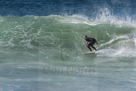 S + E swell mid Curl Curl beach, offshore sunny, shoulder plus (Don Norris)
