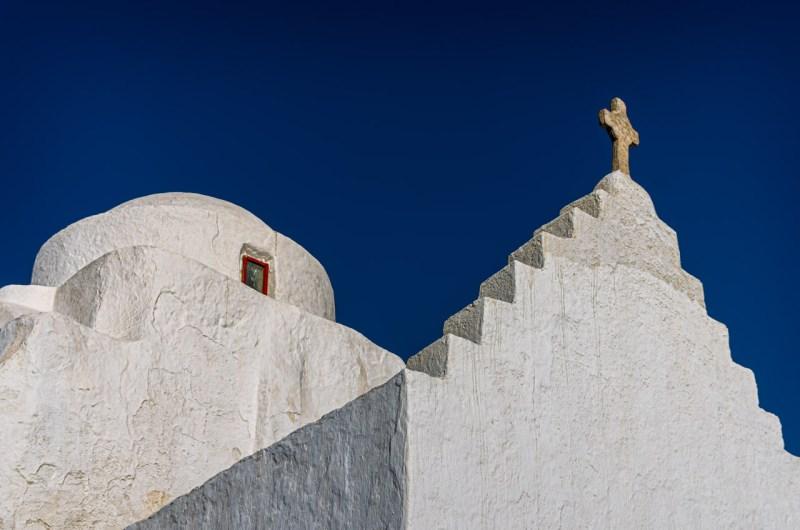 Mykonos: bella senz' anima Paraportiani church