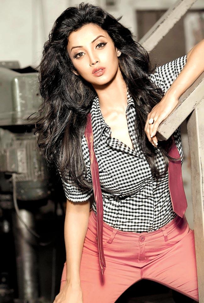 Nagin Serial Actress Adaa Khan hot Photos