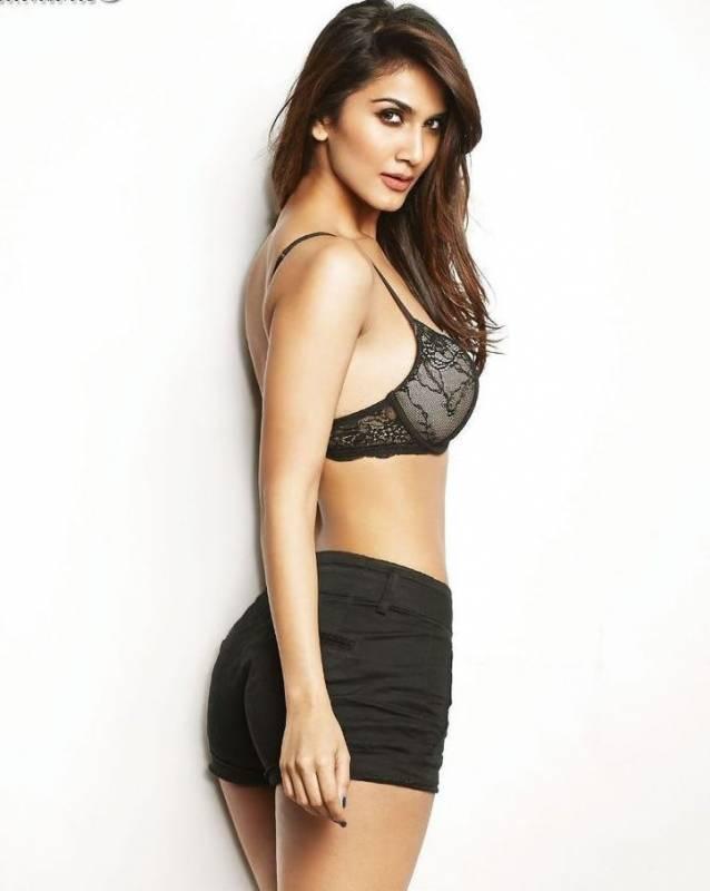 Vaani Kapoor Bikini