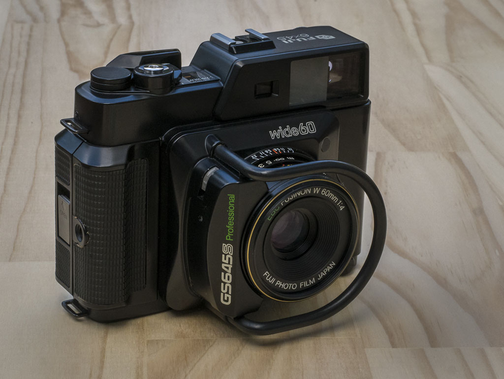 Fuji GS645S – Camera with a Roo Bar