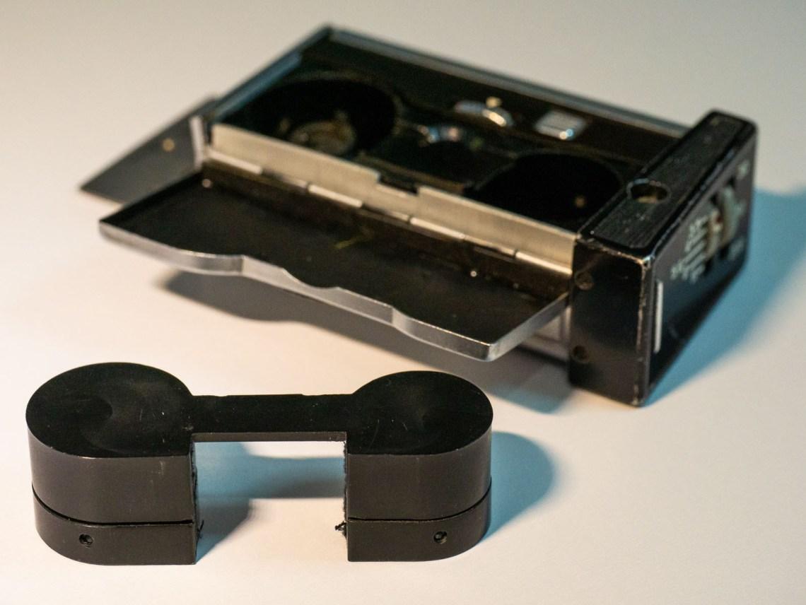 Kiev 30 - Spy Camera film loading