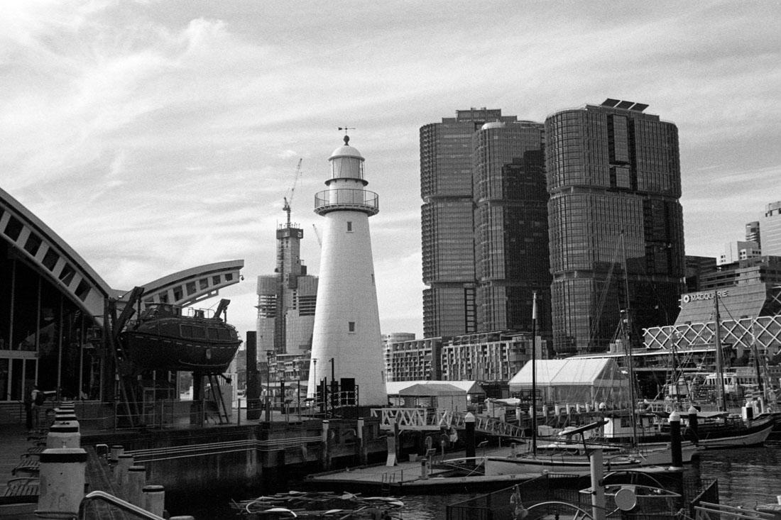 Darling Harbour | Prakti | Kodak Tri-X 400
