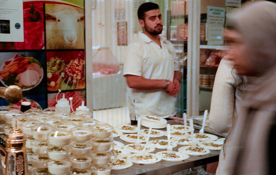 Food vendor at street festival | Leica M3 | Summicron 5cm f/2 DR | Fujifilm Natura 1600