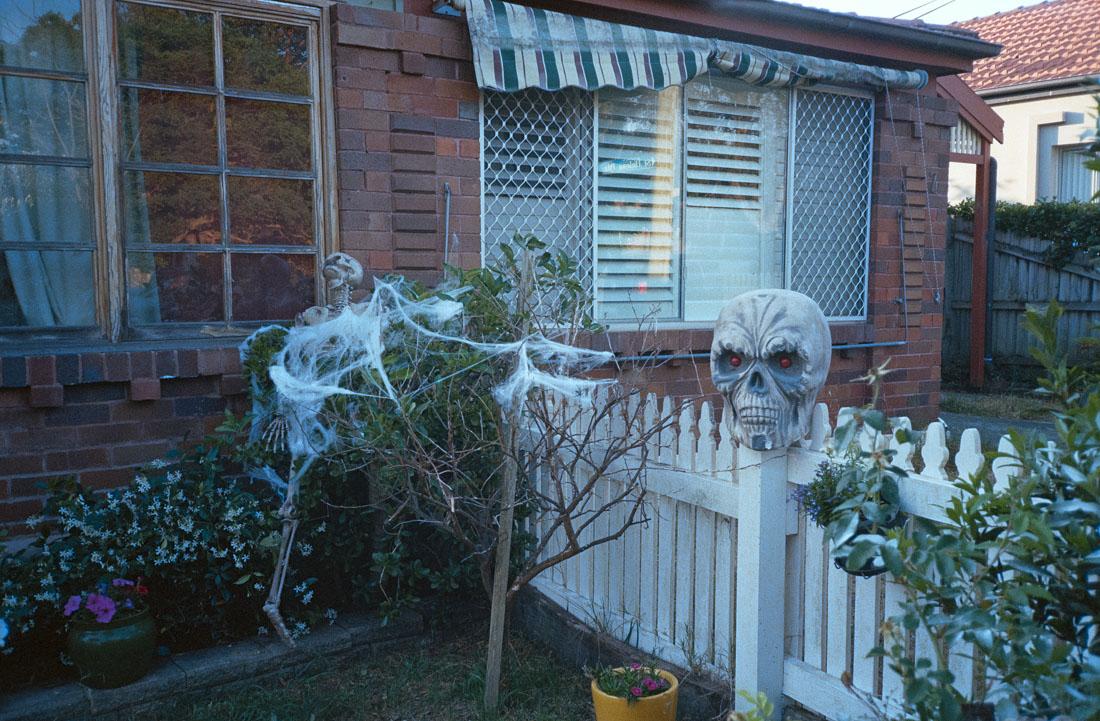 Halloween house | Nikon RD2 | Kodak Ultramax 400