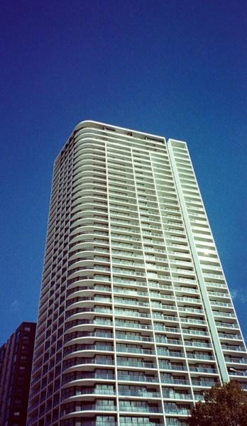 Building | Canon Elph 2 | Fujifilm Nexia A200 (expired)