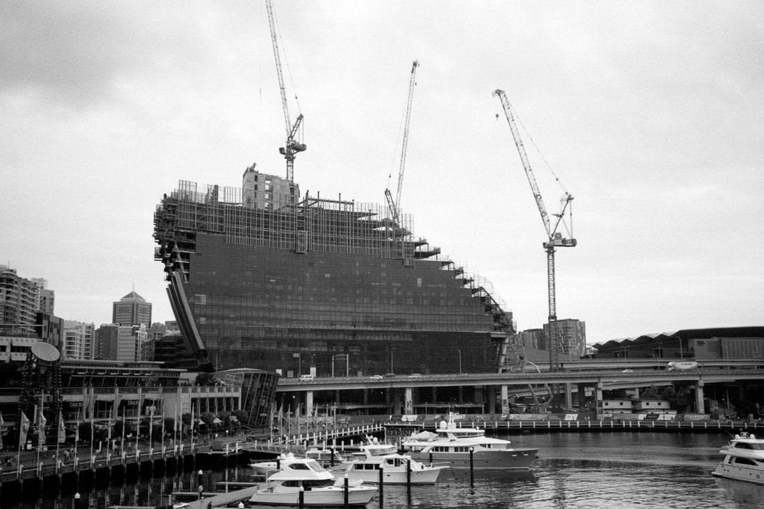 Hotel construction, Darling Harbour | Pentax Espio 80V | Oriental Seagull 100