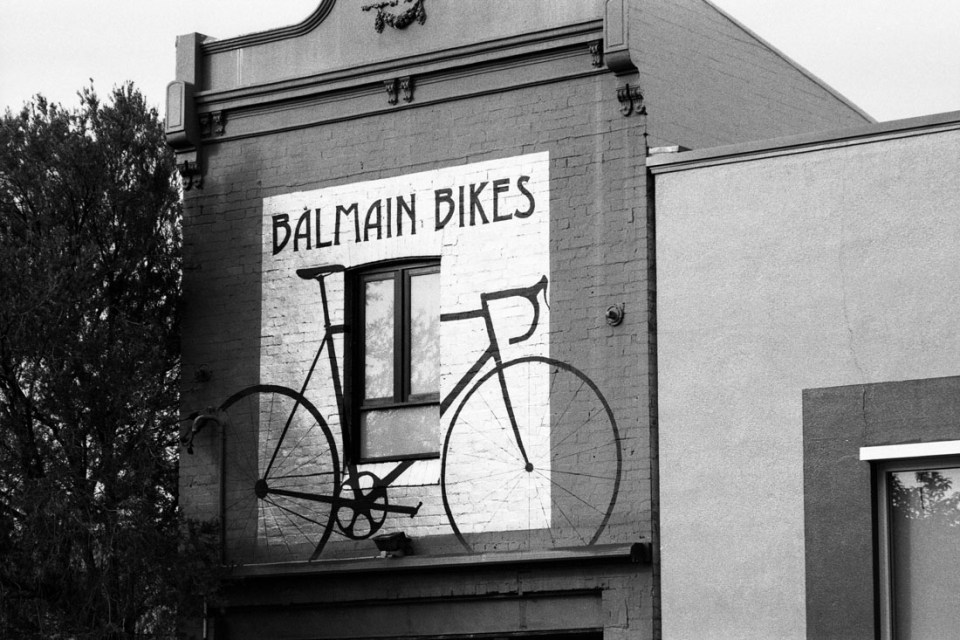 Balmain Bikes | Topcon RE Super | Topcor 10cm f/2.8 | JCH Street Pan 400