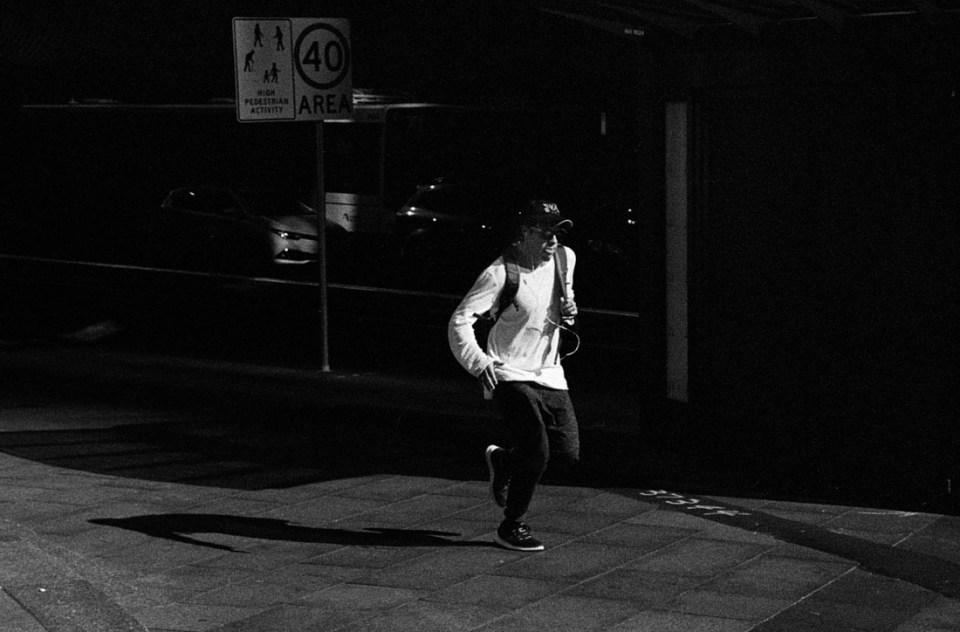 In a rush | Leica M2 | Leica Summicron 50mm f/2 | Ilford HP5 Plus