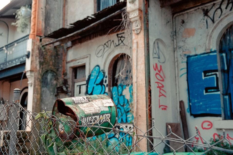 Abandoned letter box | Leica M2 | Carl Zeiss Biogon 35mm f/2 | Kodak Portra 400