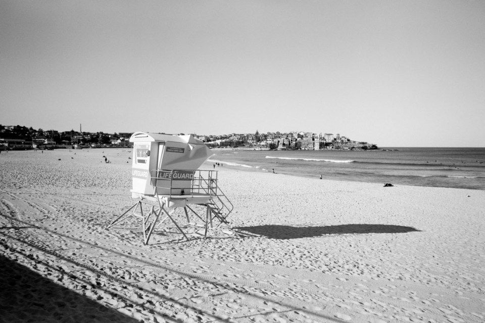 Lifeguard station Bondi | Mamiya Press Super 23 | Sekor Seikosha-S 65mm f/6.3 | Kodak Tri-X