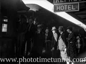 Returned servicemen at Newcastle Railway Station, NSW, April 23, 1938. (2)