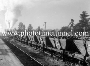 First coal out of Aberdare colliery in the Hunter Valley, NSW, after the 1949 coal strike. (1)
