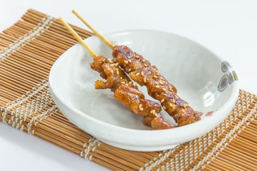 【兩串日式胡麻雞肉串燒】的餐飲業界向產品