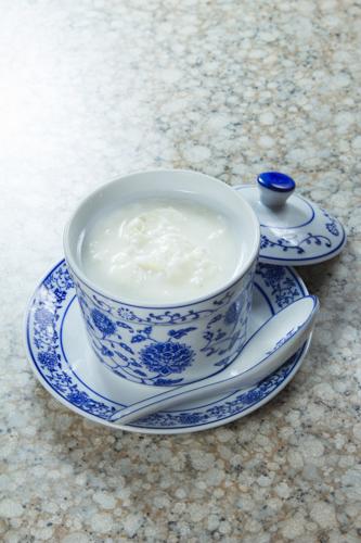 【中式美味甜點滑捋捋蒸蛋白】的美饌素材畫像