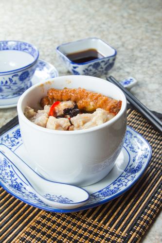 【港式早餐豉椒排骨鳳爪原盅蒸飯】可以下載的食物相