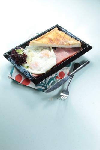 【香港茶記煎雙蛋火腿配牛油多士】可以下載的食物相