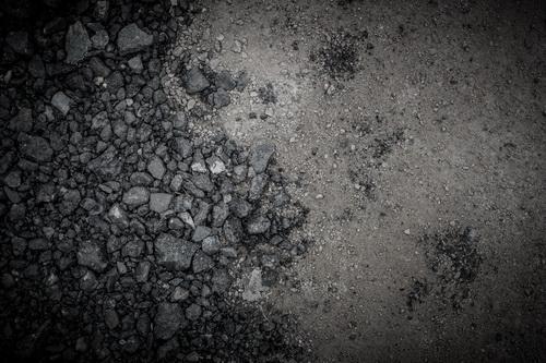 鈍い石杭砂