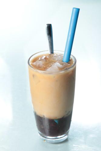 【傳統茶餐廳特色凍飲紅豆冰】飲食業專用素材圖像