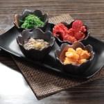 【日本料理前菜小食拼盤味付螺肉中華沙律墨魚仔及芥辣八爪魚】下載即用超方便餐牌相片