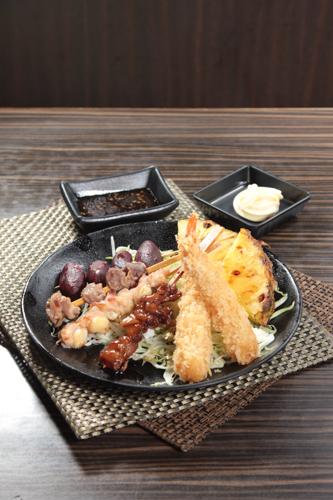 【惹味香口小食菠蘿雞肉日本番薯仔串燒拼盤吉列炸蝦】比自己拍攝更能減低成本的食物相片方案