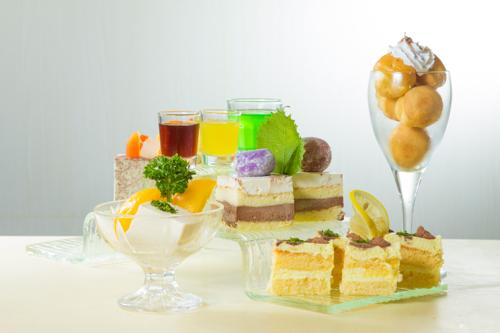 【泡芙啫喱果凍及切件蛋糕雜錦甜品拼盤】飲食業專用素材圖像