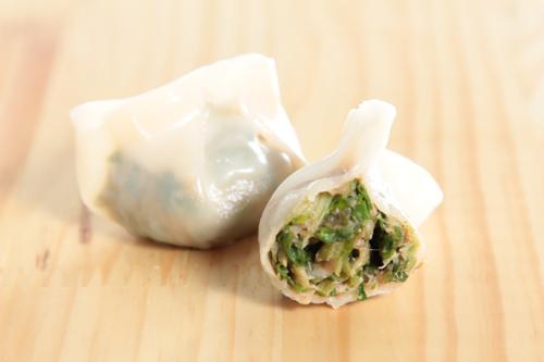 【切開的蔥蒜豬肉餃子】比自己拍攝更能減低成本的食物相片方案