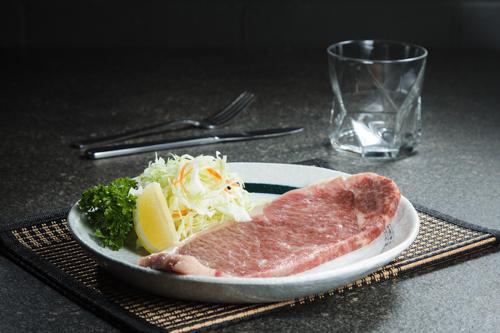 【燒肉用充滿油花日本和牛霜降牛扒】印刷級精美而且抵買抵用美食相