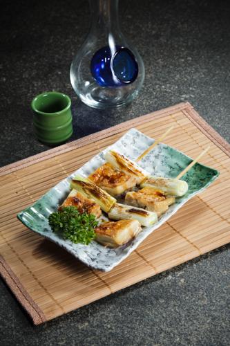 【和風居酒屋燒物料理京蔥雞肉串燒】專業食物攝影師的圖片庫