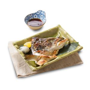 烤三文魚頭的去背退地食物素材相片
