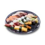 三文魚海膽油甘魚鰻魚甜蝦吞拿魚十四件壽司軍艦拼盤的去背退地食物素材相片