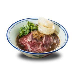 泰式生牛肉船麵的去背退地食物素材相片