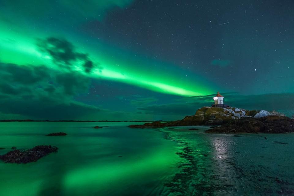 Eggum unter dem Polarlicht | © Ingrid Dierdorf