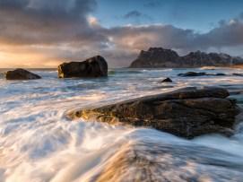 [ s o o t h i n g ] uttakleiv beach   lofoten   norway