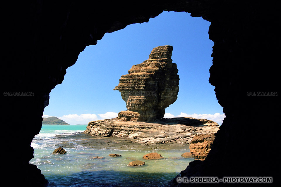 Image Photos de Nouvelle-Calédonie photo de la roche percée images