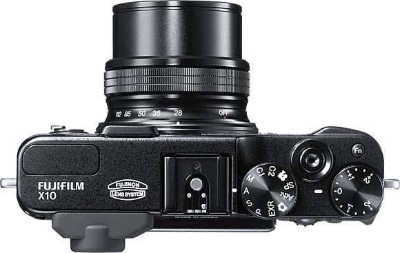 Fujifilm FinePix X10 Top View Lens at 28mm