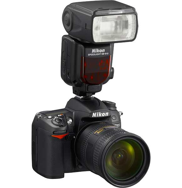 Nikon D7000 with SB-910 Speedlight