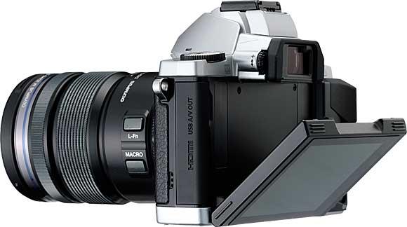Olympus OM-D E-M5 Tiltable LCD