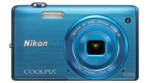 Nikon Coolpix S5200 blue front-900-75