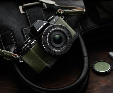 Olympus E-M10 Premium Kit, green